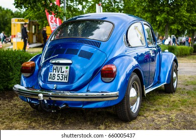 "PAAREN IM GLIEN, GERMANY - JUNE 03, 2017: Economy car Volkswagen Beetle, 1973. Rear view. Exhibition ""Die Oldtimer Show""."