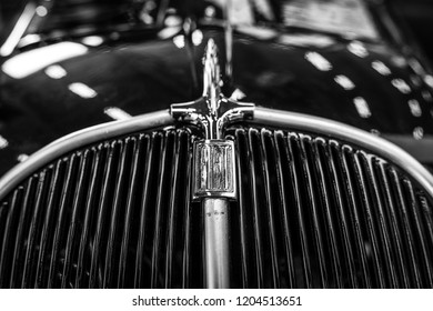 PAAREN IM GLIEN, GERMANY - MAY 19, 2018: Fragment of the compact car Fiat 500 Topolino, 1939. Black and white. Die Oldtimer Show 2018.