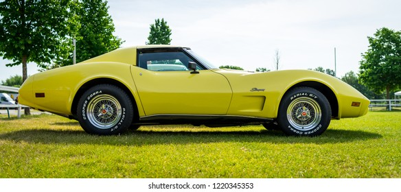 PAAREN IM GLIEN, GERMANY - MAY 19, 2018: Sports car Chevrolet Corvette Stingray Coupe, 1976. Die Oldtimer Show 2018.