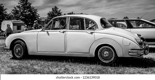 PAAREN IM GLIEN, GERMANY - MAY 19, 2018: Executive car Daimler 2.5 V8, 1966. Black and white. Die Oldtimer Show 2018.