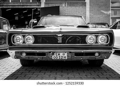PAAREN IM GLIEN, GERMANY - MAY 19, 2018: Mid-size car Dodge Charger 500 convertible. Black and white. Die Oldtimer Show 2018.