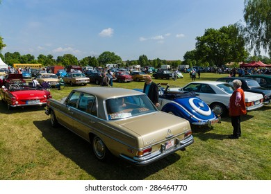 PAAREN IM GLIEN, GERMANY - MAY 23, 2015: Various vintage cars, on the exhibition field. The oldtimer show in MAFZ.