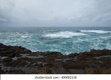 Pacific Ocean Oregon coast on an overcast day/Pacific Ocean