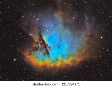 Pacman nebula in modified Hubble palette (NGC281)