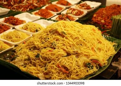 Pad Thai, Thai style food