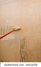 Padding walls. House repair.