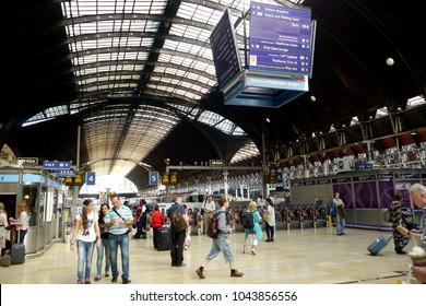 Paddington Station, London, England - 10 December 2016 : Paddington Station in Central London serves thousands of commuters every day.