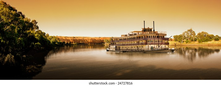 Paddlesteamer on the River Murray at sunset