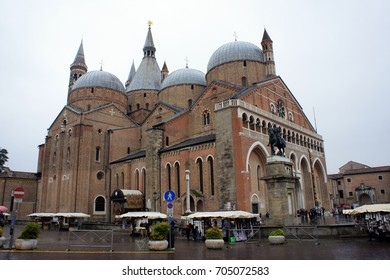 Padova.Italy.Basilica of St.Anthony in the rain.