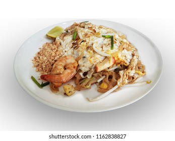 padthai with egg and shrim ,popular thai food,on iolated backgroundwith clipping path
