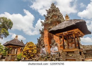 Paduraksa gates of Balinese Hindu temple Pura Puseh Desa Batuan, Batuan village, Kabupaten Gianyar, Bali, Indonesia
