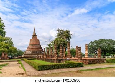 Pagoda and ruined chapel monastery complex at Wat Chana Songkhram temple, Sukhothai Historical Park, Thailand