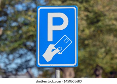 Paid Parking Sign At Apeldoorn The Netherlands 2018