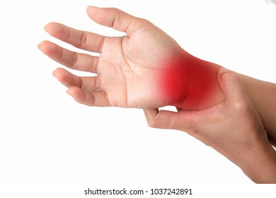 Pain in the palm of the elderly.Symptoms of peripheral neuropathy.Most symptoms are pain and numbness in the fingertips and palms.