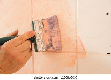 paint old tiles with glue