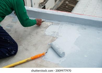 Paint roller for waterproofing, reinforcing mesh, repairing waterproofing decks.