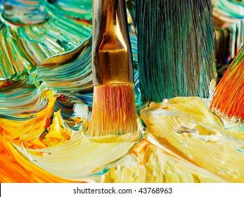 Paintbrush mixing oil paints
