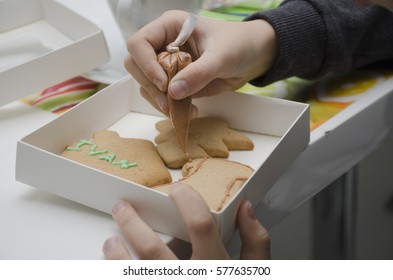 painting gingerbread