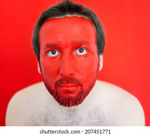 Painting man's face
