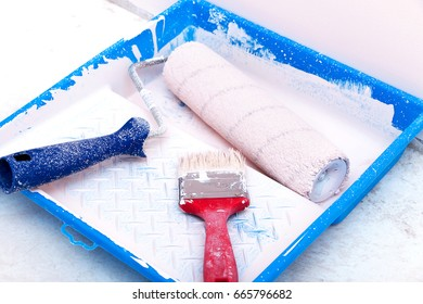painting tools brushes and rollers