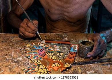 painting wayang kulit