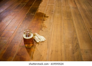 Painting wood floor with flax-seed oil