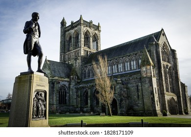 Paisley Abbey Church And Statue