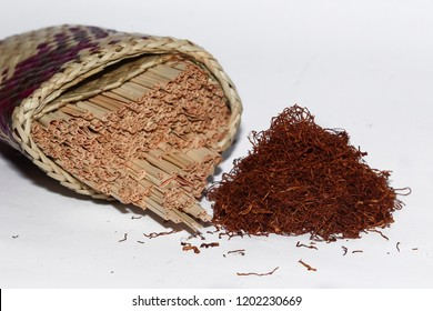 Paisok Daun Anau - Traditional Cigarettes From West Sumatera Indonesia, Tabacco Rolled In Dried Sugar Palm Leaf