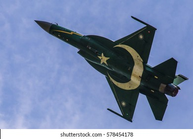 Pakistan Air Force PAF JF-17 / FC-1 Thunder performing aerobatics