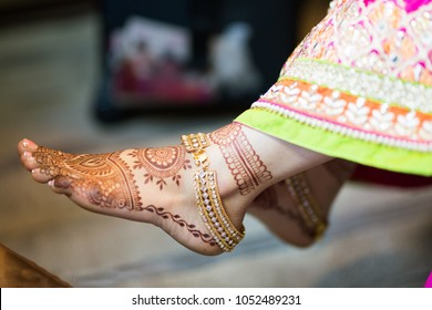 Mehndi Ankle Boots : Anklet images stock photos vectors shutterstock