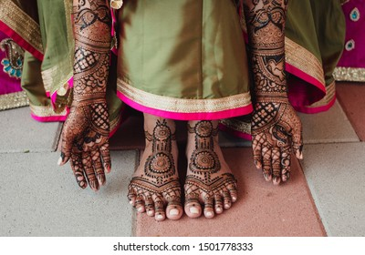 Pakistani Indian Bridal showing foot and hand mehndi design