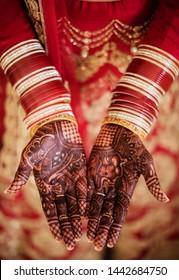 Pakistani Indian bride bangles and mehndi design