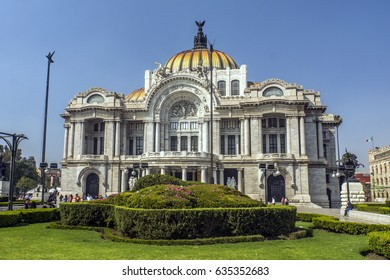 Palace of Fine Arts in the Historic Center of Mexico City, Mexico