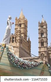 PALERMO - JULY 28 , wagon santa rosalie after the feast of santa rosalia 2012 near the cathedral on Palermo, 28 July 2012,  Sicily, Italy