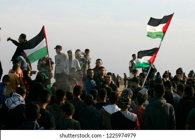 """Palestinians take part in a """"Great March of Return"""" demonstration, on the Gaza-Israel border, in east of Rafah in the southern Gaza Strip, on November 09, 2018. Photo by Abed Rahim Khatib"""