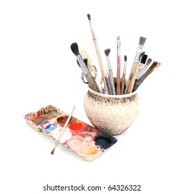 palete and pot with brushes
