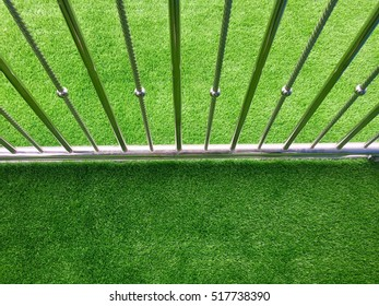 Palisade fence lawn