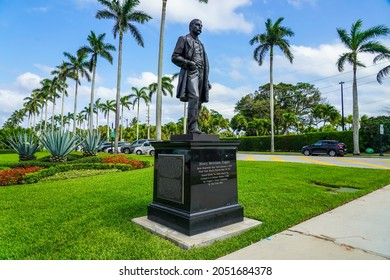 PALM BEACH - APRIL 23, 2021: Henry Morrison Flagler Statue at Royal Poinciana Way in Palm Beach, Florida