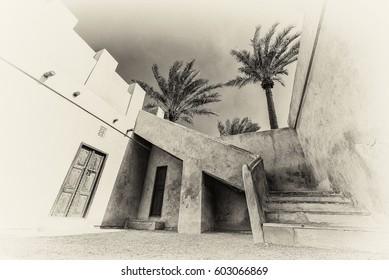 Im 225 Genes Fotos De Stock Y Vectores Sobre Qatar Doors