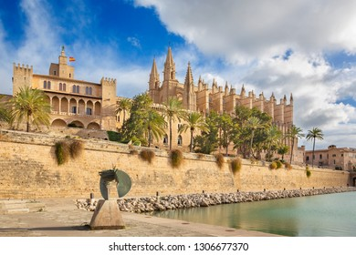 Palma de Mallorca - The cathedral La Seu and Almudaina palace.