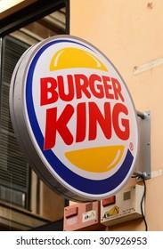 """PALMA, MALLORCA - AUGUST 03, 2015: The logo of the brand """"Burger King"""" in Palma de Mallorca."""