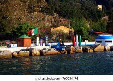 Palmaria Island beach resort seen from the boat