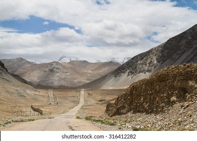 Pamir highway. Marco Polo silk road. Gorno Badakhsan province, Tajikistan. Central Asia Pamir Highway leads from Kyrgyzstan to Murghab via Wakhan valley to Khorog (Afgan border) and then to Dushanbe.