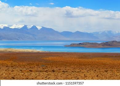 Pamir. Tajikistan. Mountain landscape. Lake Karakul.