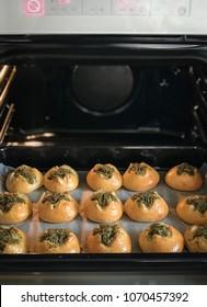 pampushki, Ukrainian traditional buns for borscht