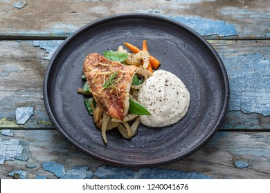 Pan fried ocean perch with sauteeed fennel and jerusalem artishoke puree, copy space