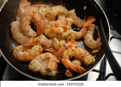 Pan Fried prawns with dried chili and herbs