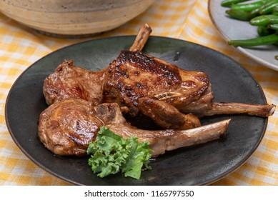 Pan Seared Lamb chops plate close-up