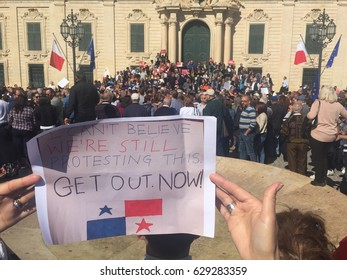 Panama Papers: anti-government corruption protesters gather outside Prime Minister Joseph Muscat's office in Valletta on 23 April 2017, calling for his resignation
