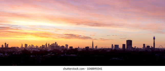 Panaromic view of the London skyline during sunrise from the top of Primrose Hill